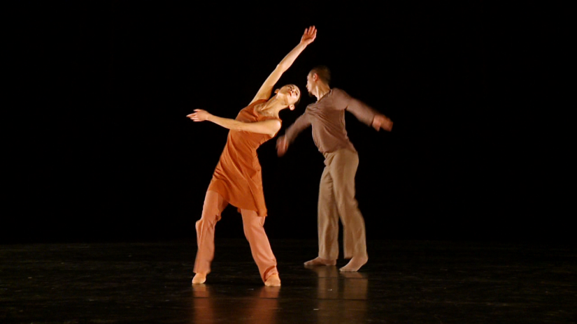 """Dance and choreography: Xuan Shi, Niannian Zhou Music: Sou Si-tai Light: Martin Hauk and Olaf Danilsen Costumes: Chantal Margiotta Production management: Karsten Liske Director: Steffen Döring A production of Sasha Waltz & Guests under the funding program """"Choreographers of the Future"""" sponsored by BASF SE as the main sponsor. Sasha Waltz & Guests is funded by funds from the Capital Culture Fund."""