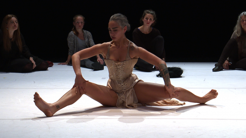 BLOO/D/RUNK - WITCH DANCE PROJECT - Ein TANZFONDS ERBE Projekt